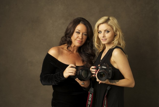 Sue Bryce and Lara Jade pose for a portrait. Photo courtesy  Nikki Closser.