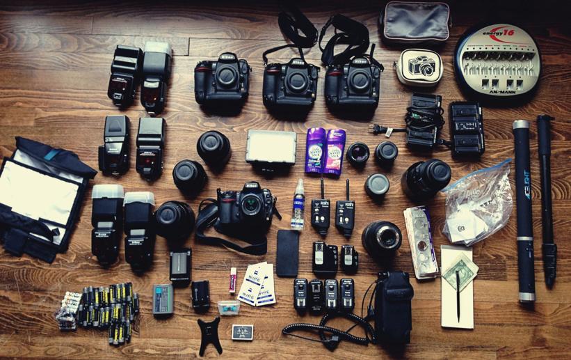 What39s in wedding photographer susan stripling39s gear bag for Wedding photographer camera bag