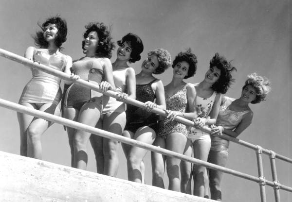 Beauty contestants pose at the beach in St. Petersburg, Florida. Photo courtesy Florida Memory.