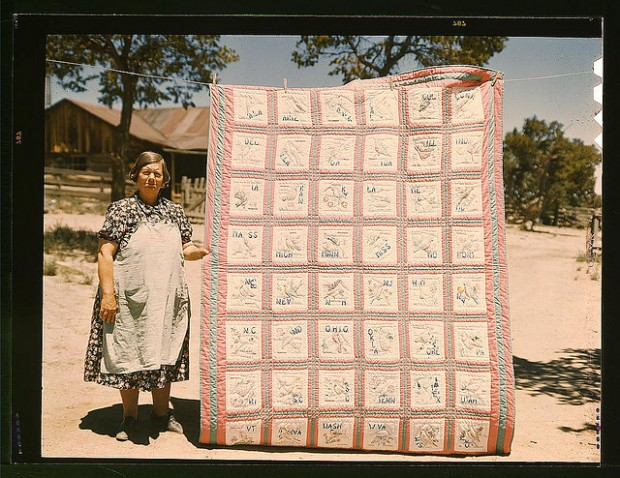 vintage photos of quilts