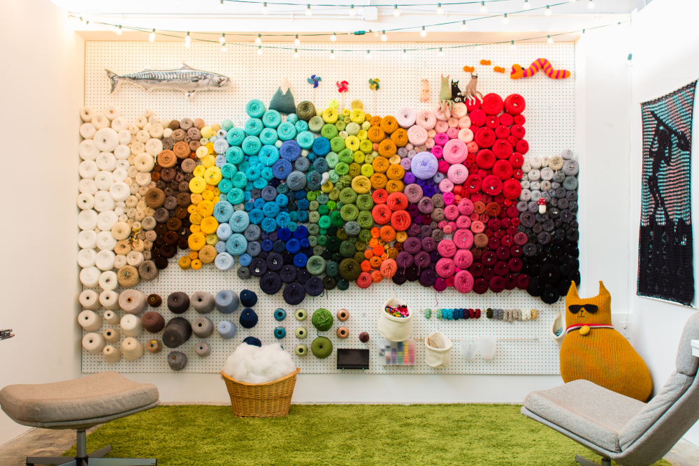 14 ideas to help you organize your craft room for Craft wall storage system