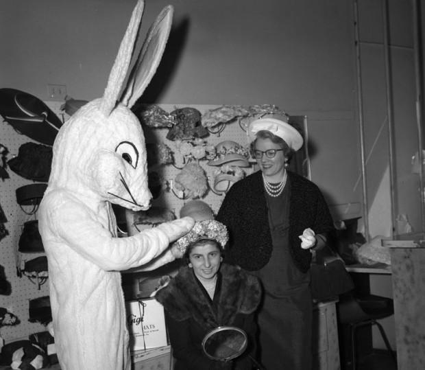 Tbt Vintage Easter Photos And Creepy Bunnies