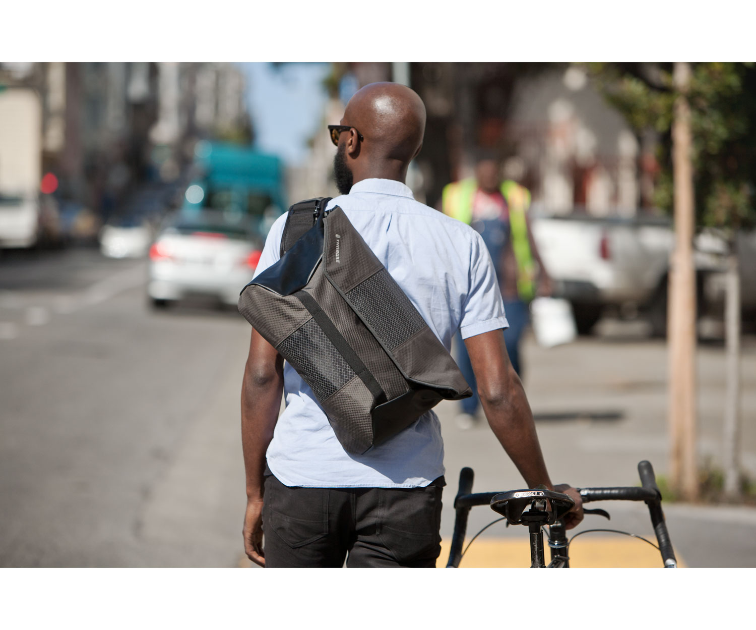 5c4c438d6 7 Laptop Bags That Can Carry Your Entire Freelance Office