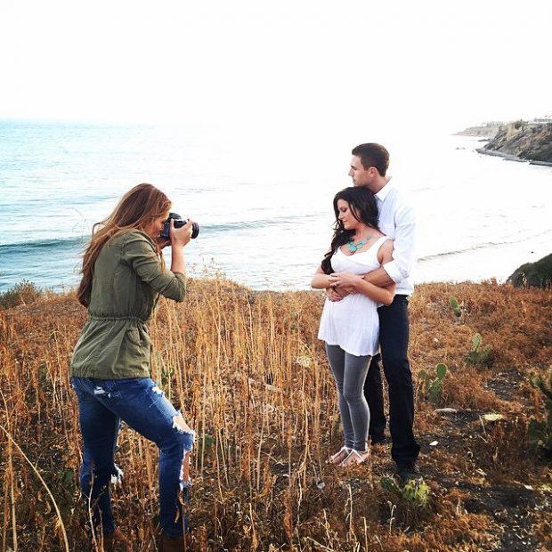 engagement photo posing tips