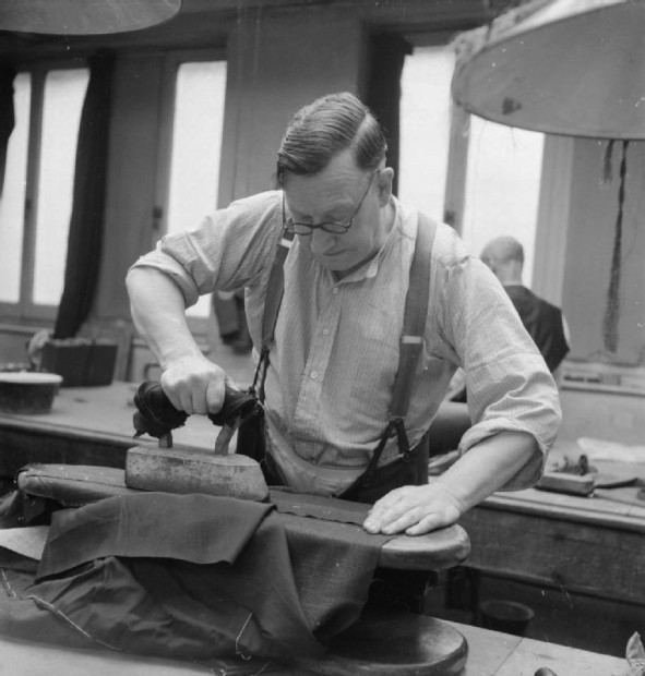 03 Savile_Row-_Tailoring_at_Henry_Poole_and_Co.,_London,_England,_UK,_1944_D21865