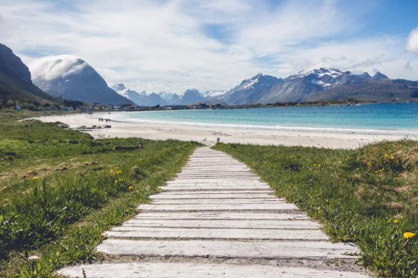 How to Freelance and Fund Your Travels