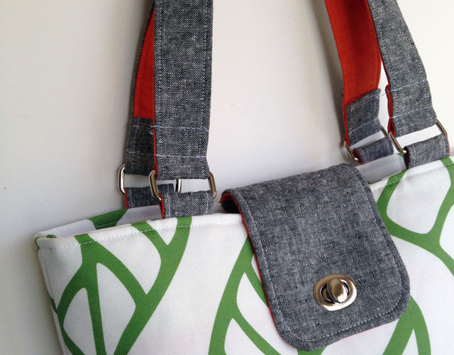You can make this beautiful bag with tips from Betz White! http://