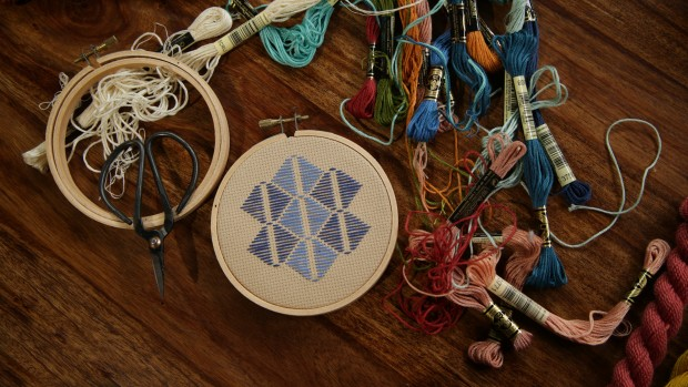 Learn embroidery on CreativeLive http://blog.creativelive.com/modern-hand-embroidery-resources-for-getting-started/