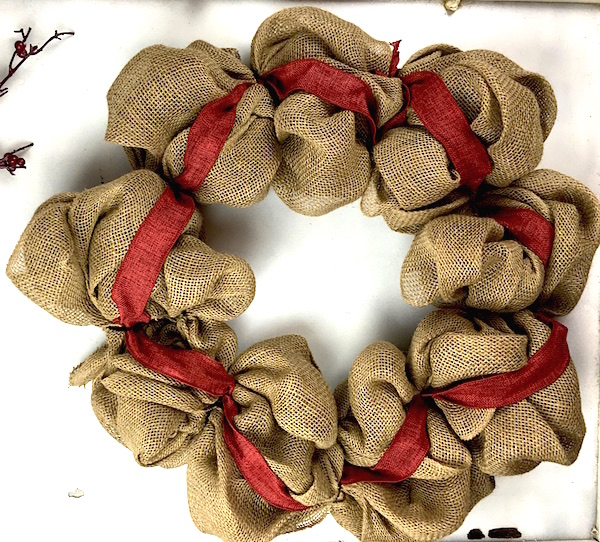 How to make a burlap wreath amazing diy gift idea for How to use burlap ribbon