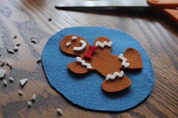 Snowglobecoasters-gingerbreaddetails-radmegan-CL