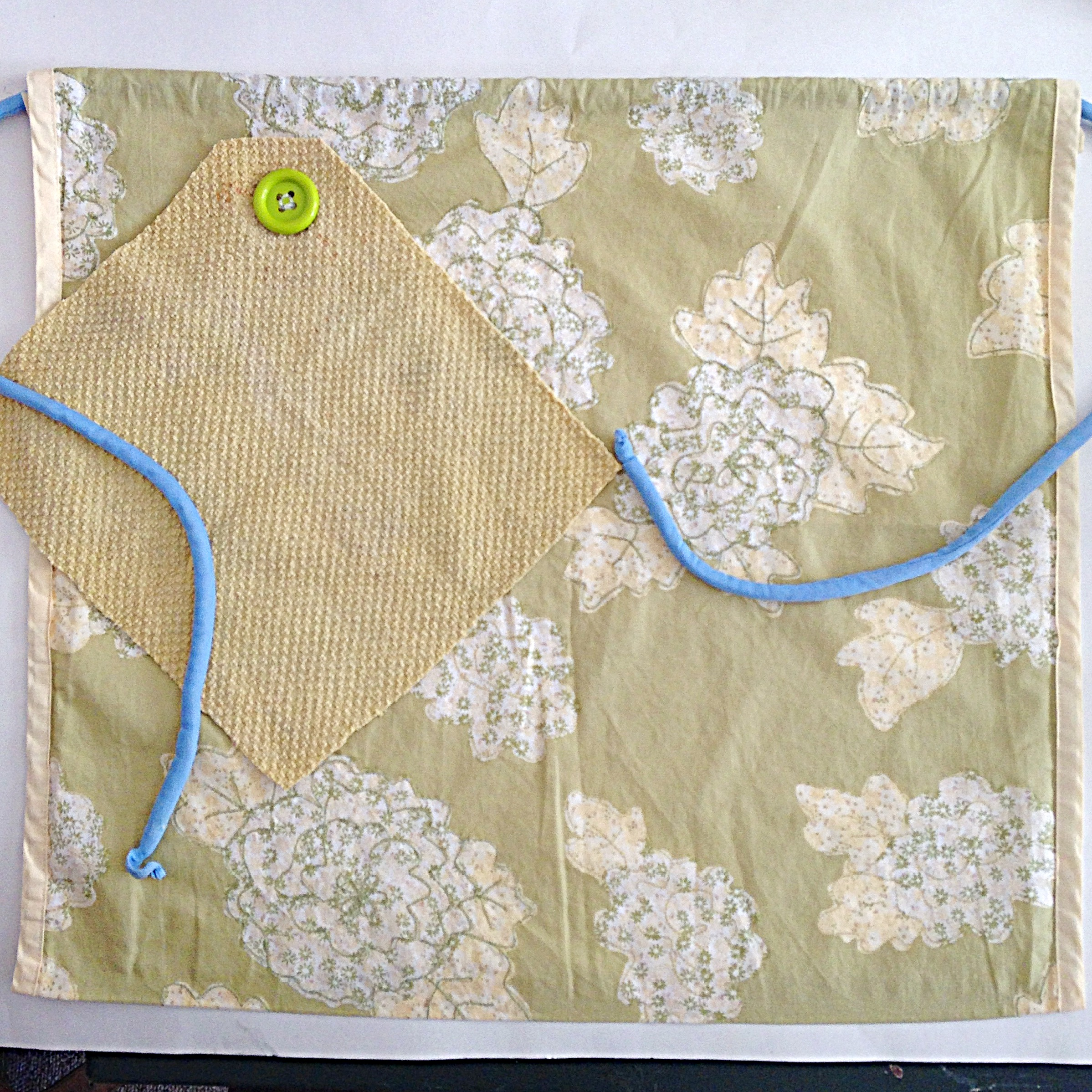 Make A Vintage Inspired No Sew Apron