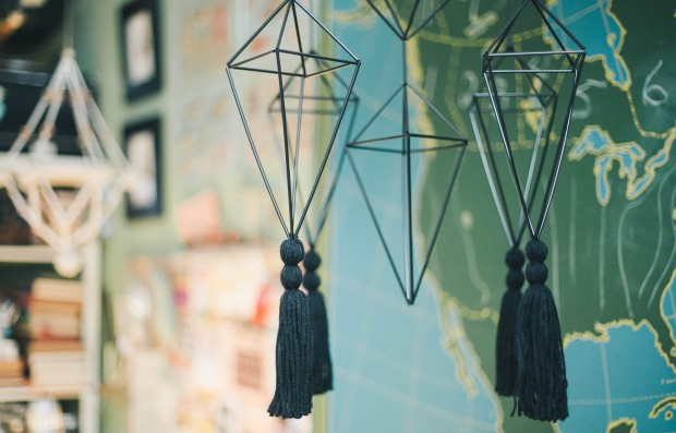 Learn how to make these super stylish himmeli mobiles using cocktail straws!