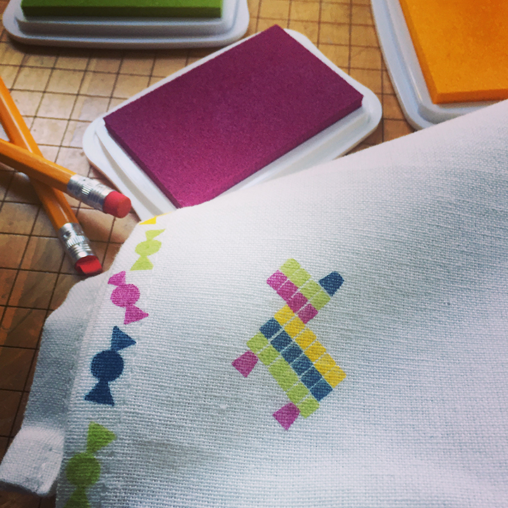 Learn the basics of stamping on fabric with this great DIY project from Robert Mahar. Make adorable cloth napkins using a pencil as a rubber stamp.
