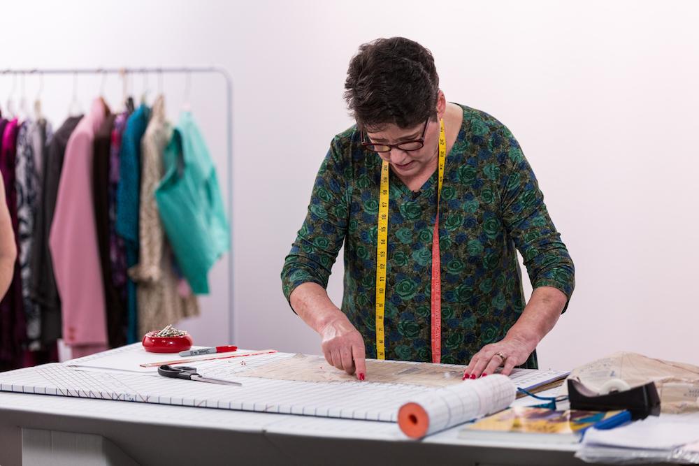 Marta Alto demonstrates tissue fitting