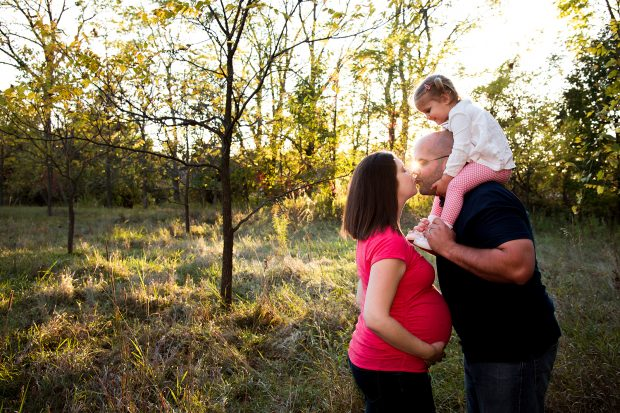 Tips for authentic family posing